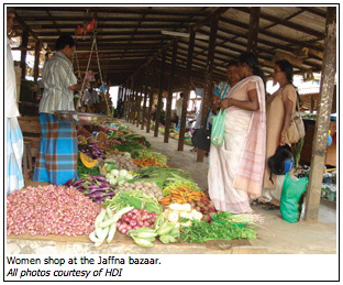 Women shop at the Jaffna bazaar.